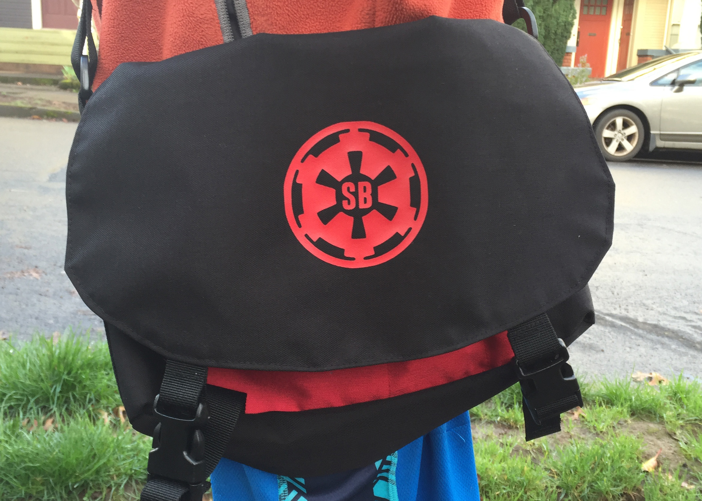 Kid-size messenger bag
